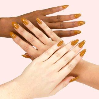 kl_polish_caramello_hands_1024x1024