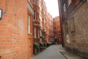 side_street